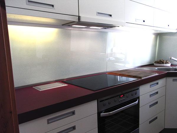 mit integriertem vollholz schneidebrett feststehender k chentisch mit. Black Bedroom Furniture Sets. Home Design Ideas