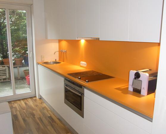 Kuchen Arbeitsplatte Orange : K?chenzeile In Lack Wei? Und Orange